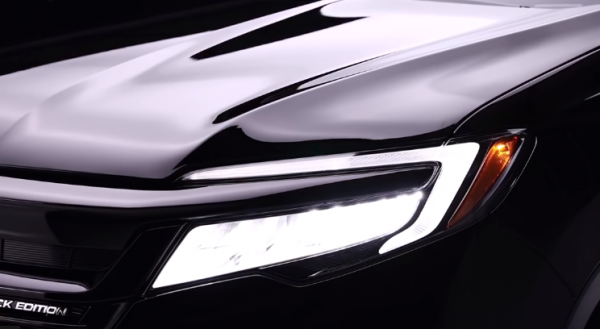 2019 Honda Pilot Features ADAS, LED Headlight